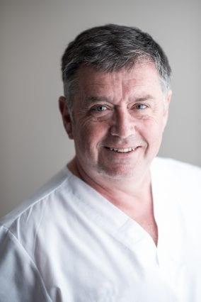 Phil Bennett - Dental Implant Expert